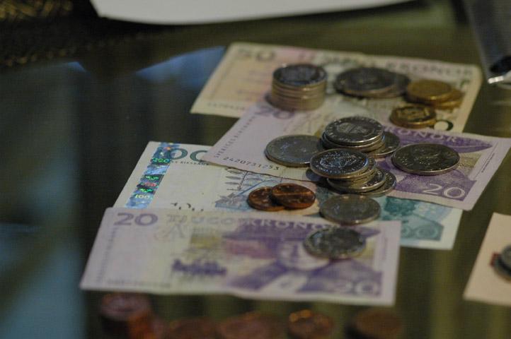Швеция первой в мире откажется от бумажных денег