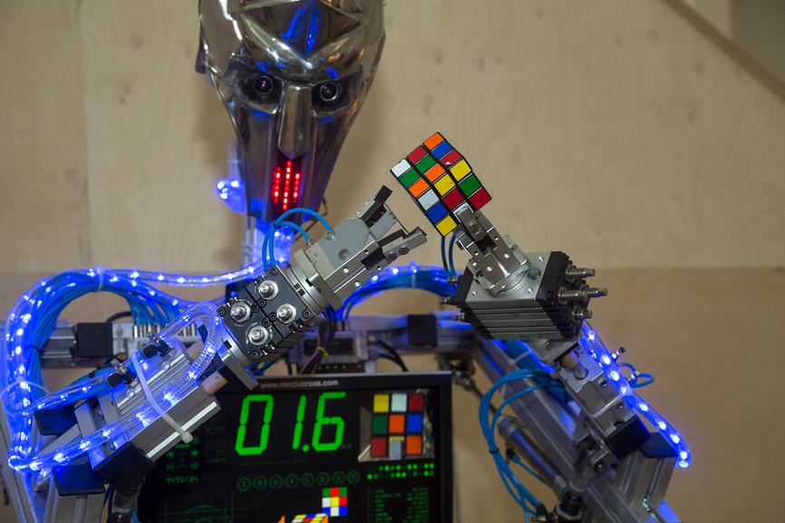 Роботы: твари дрожащие или право имеют?