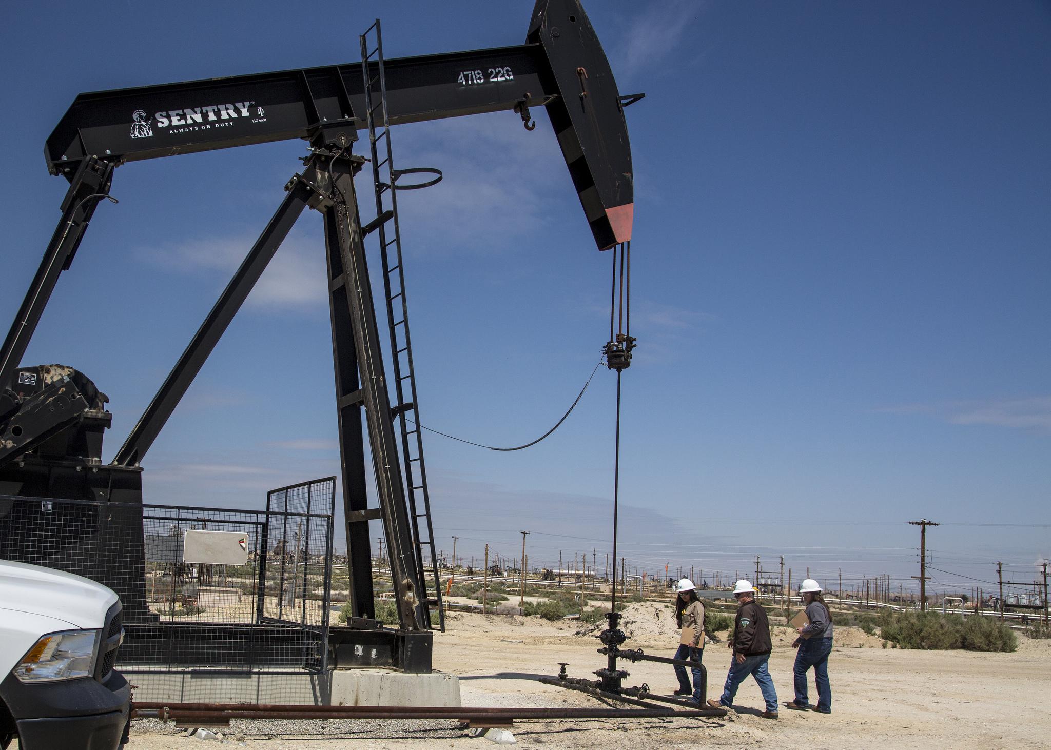 Нефть удерживает рублевые активы от обвала