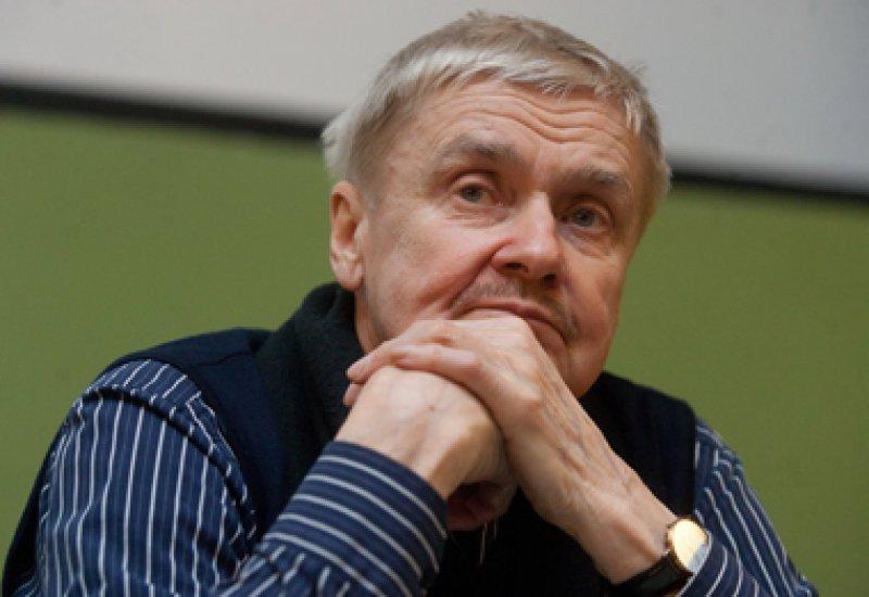 Сергей Есин: «Практически всегда приходилось иметь дело с деньгами»