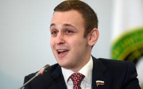В Госдуме предложили давать ипотеку 14-летним