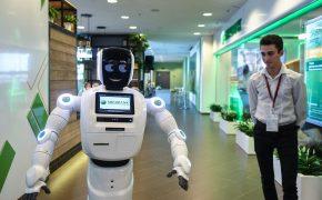 Роботы Сбербанка помогут снять больше денег из банкомата