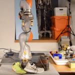 Рука робота научилась хватать незнакомые предметы
