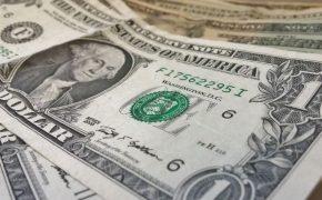 Россияне забрали из банков больше 200 миллиардов