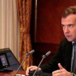 Медведев не готов напасть на США из-за санкций