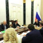 Путин обнаружил нехватку средств на пенсии