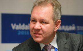 Владислав Иноземцев: «Разумного» процента долларовых сделок существовать не может