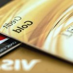 Банки объяснили блокировку карт из-за переводов