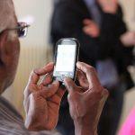 В России появился телефон для пенсионеров