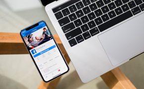 Facebook запрещает продукцию Apple