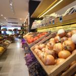 Россияне тратят половину зарплаты на еду