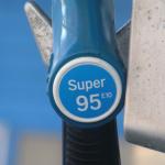 Бензин в России может стать дороже на 10%