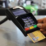 Эксперты опасаются блокировки карт из-за санкций