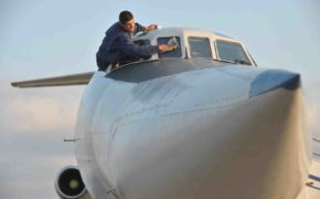 Ту-134 совершил последний рейс в России