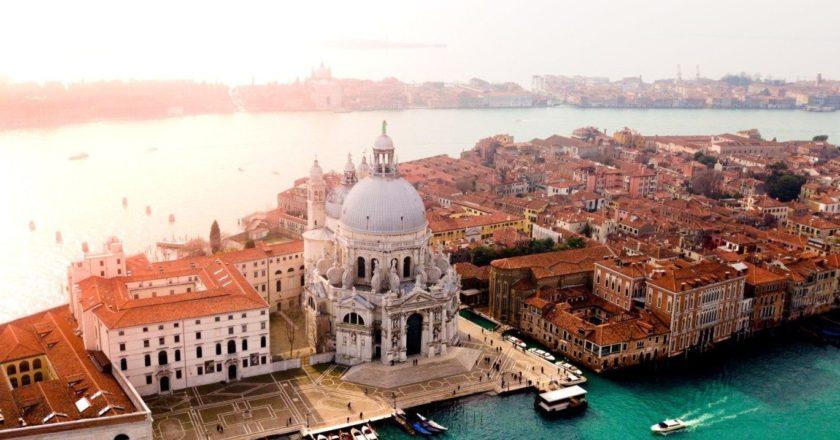 Россияне отказываются от туров в Италию из-за коронавируса