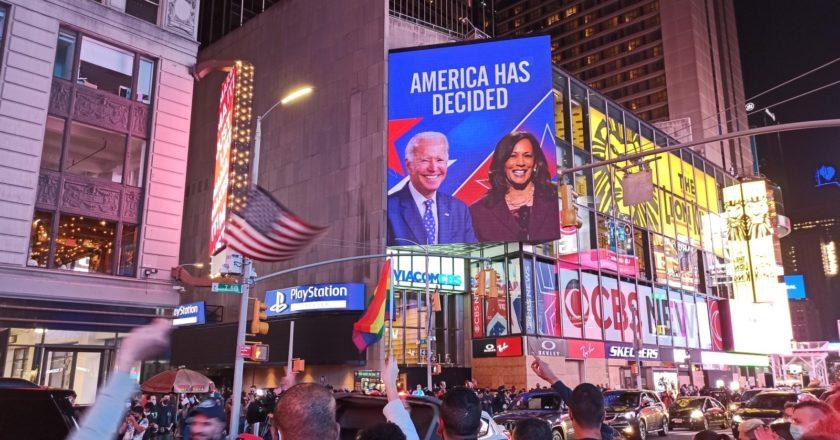 Участники поствыборных протестов в Нью-Йорке. Стрингер / РИА Новости