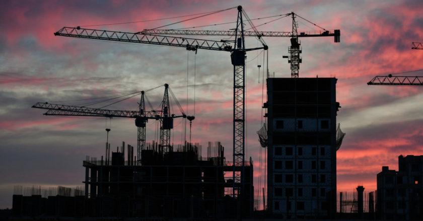 Строительство жилого комплекса в Симферополе. Константин Михальчевский / РИА Новости